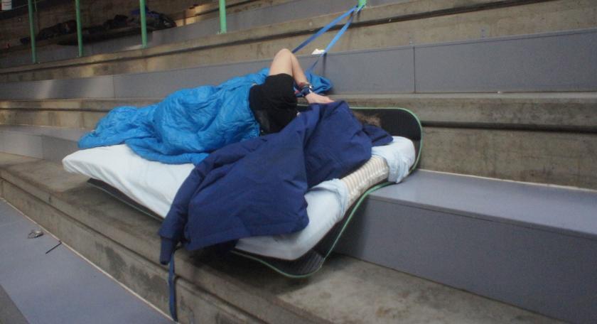 Ta spørreundersøkelsen om søvn under TG